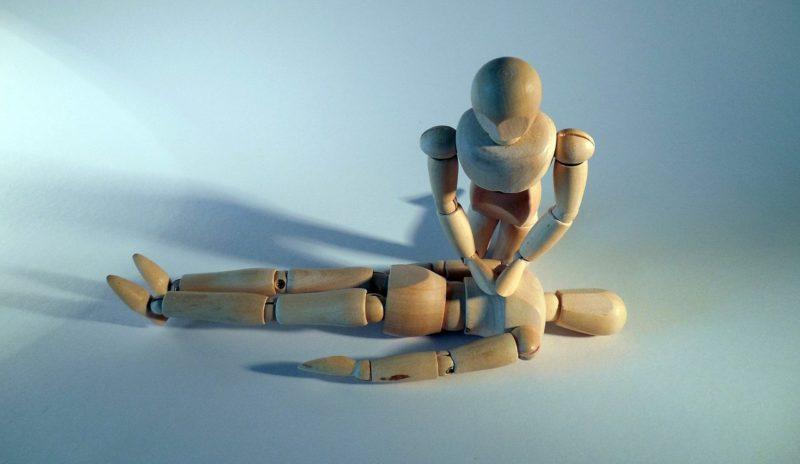Primeros Auxilios: Los 4 pasos vitales para salvar una vida