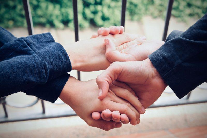 La ayuda altruista provoca beneficios en el cerebro