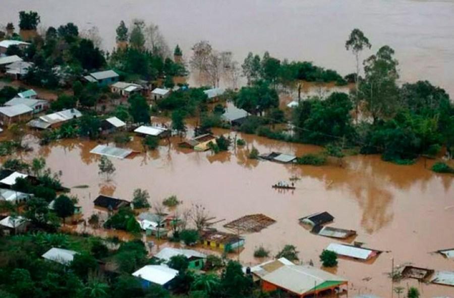 Cómo ayudar a los damnificados por las inundaciones en el Litoral, mediante la Cruz Roja Argentina
